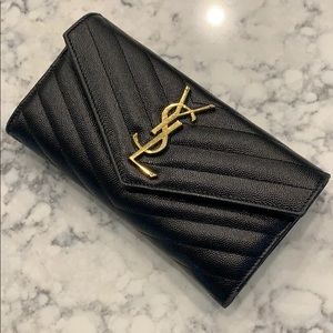 Authentic!!! YSL large monogram leather wallet❤️